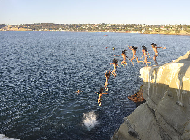 cliff_diving_La_Jolla